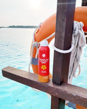 Really enjoyed using this sunscreen mist in the Maldives, sooooo easy to use and effective too! Particularly love the cooling sensation it leaves just after misting ☀️ . . .  #clozette #makeup #flatlay #makeupsg #sgmakeup #instamakeup #makeupporn #makeupjunkie #beauty #sgbeauty #igsgmakeup #instabeauty #beautytalk #makeuptalk #makeupflatlay#maldives #maldivesbeauty #sunscreen #holidaymakeup #holidaybeauty #sunprotection