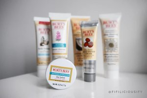 The cutest and most practical travel skincare set ever by #BurtsBees! It has you covered from head to toe. I got this off Amazon Prime 💕 great gift idea too 🌟 . . .  #travelset #beauty #beautysg #makeup #makeupsg #clozette #instabeauty #instamakeup #singapore #igsg #sephorasg #sephora #beautylover #makeupporn
