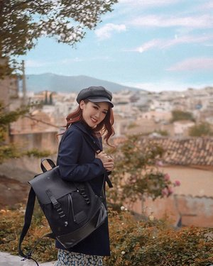 Buncha fun exploring a new city, immersing in their culture, and finding instagrammable spots like this one! . Thank you @gastonluga for being such a great travel companion. Fitting in all my barang barangs on the go for this trip! . Swipe ⬅️ to see who's happier with my Gaston Luga backpack than I am 🤣 . . . . . #GastonLuga  #GastonLugaSG #travelwithGL #JasGoesGreece #JasGoesAthens