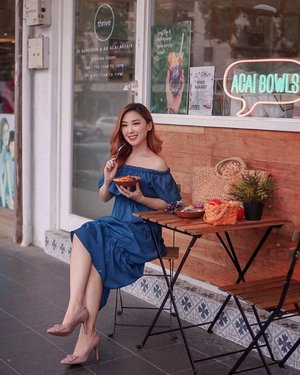 Nothin' much, just me chilling in my comfy @pazzionofficial pumps, having açaí. It's always good to have some quality me time. . . . . . #pazzion #pazzionsingapore #insidercommsg