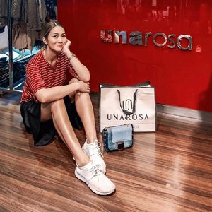 Scored this very unique denim chain bag (the last one!) and other very special items from #UnaRosa! I super ♥️♥️♥️ @unarosafashion! Did you know that Una Rosa was a local brand? Also, all the items are personally hand picked by the owner! I'm positive we have the same style! I loved EVERYTHING! 😍😍😍 #unarosashoppingtherapy #clozette #clozetteco