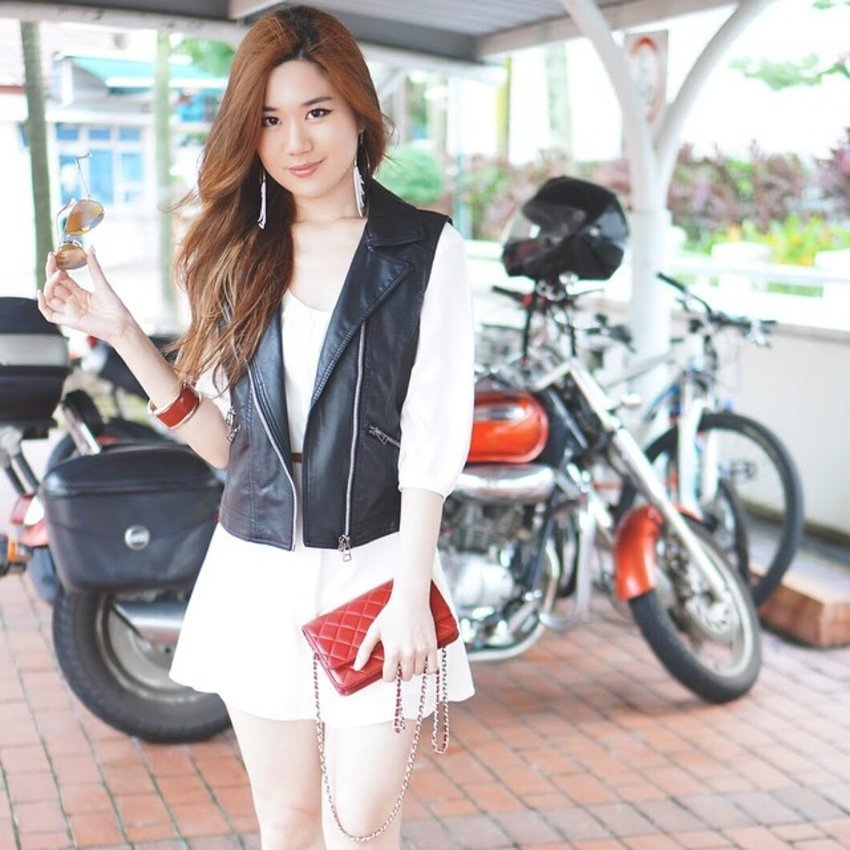 Biker chic never dies! Donning @ashlapin's Birkita Vest in this picture. Psst! Stand a chance to win a USD50 Ash Lapin voucher from my blog! Check out the link in my bio for details! #clozette #giveaway #ootd #wiwt #instafashion #bikerchic #singapore #sgbloggers #ilovefashion #ilbootd