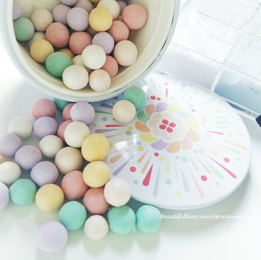 Guerlain Meteorites are one of the prettiest products around - plus, they always make me feel like eating candy whenever I see 'em XD