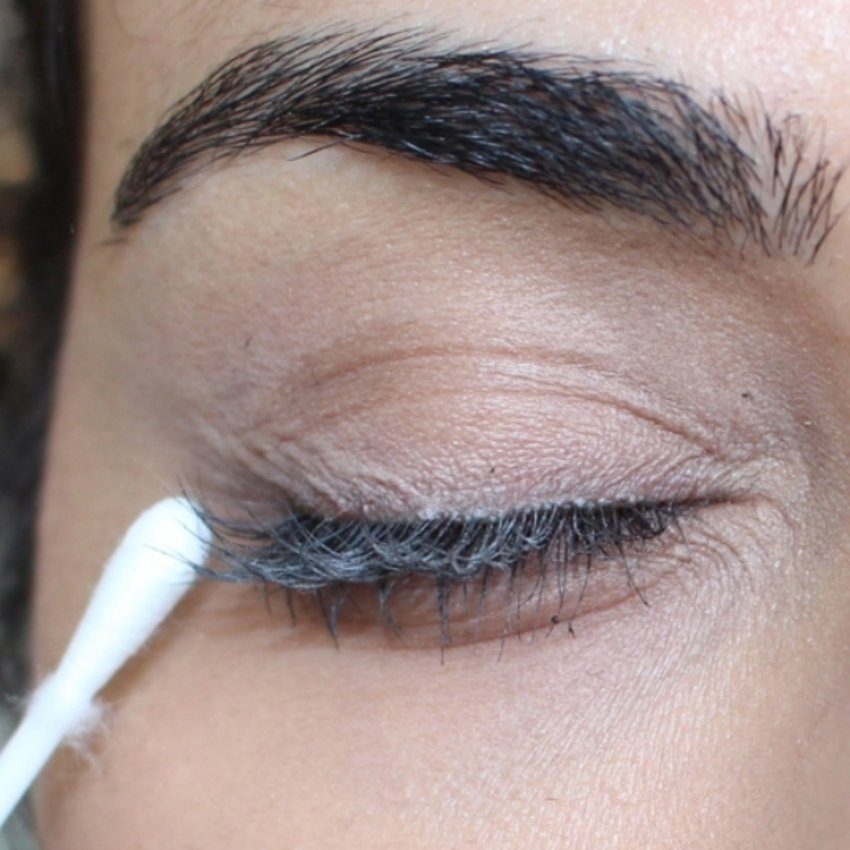 Coat your eyelashes with mascara and before it dries take a Q-tip covered in baby powder and dab it on your lashes. The baby powder will cling on and act as little extensions. Cover it with another layer of mascara. Do this two or three times!