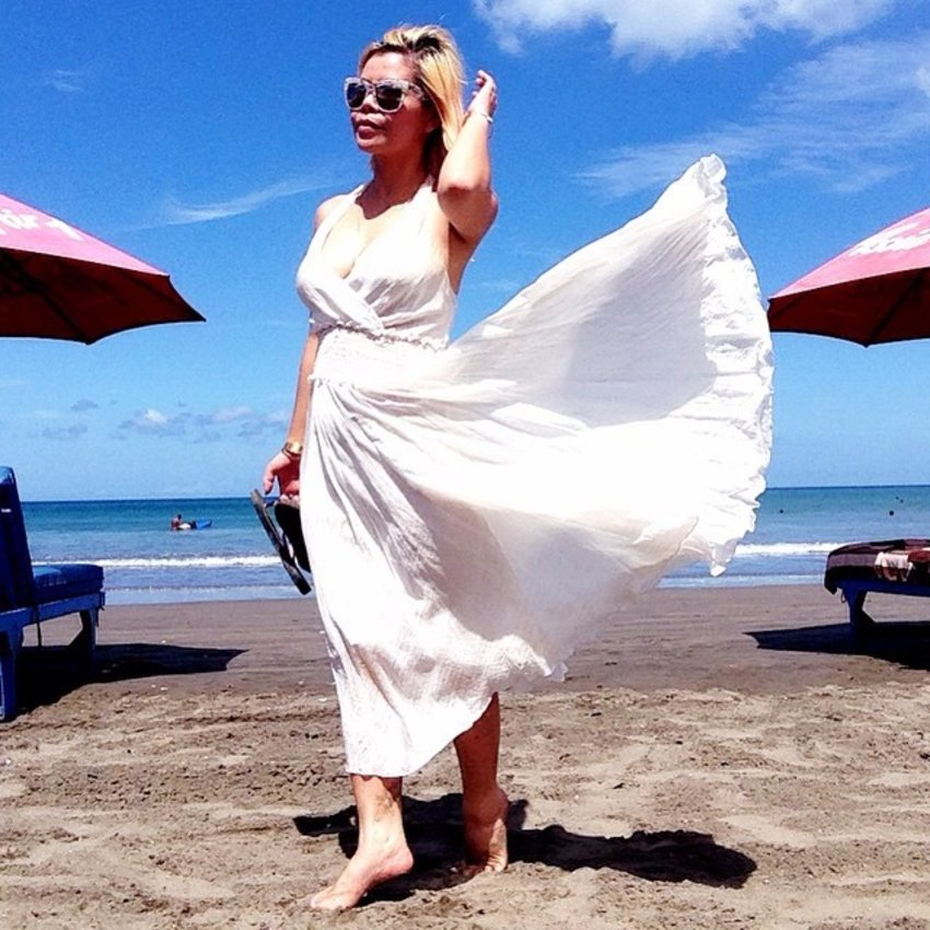 Life at the beach is tough but I can do this all day, everyday! 😜😜😄 #Bali #Beach #beautiful #travel #travelwithCrystal #clozette #ootd #styleXinfluencer #vfbestdressed