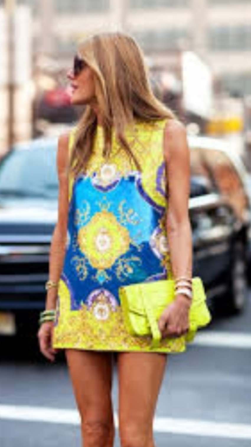 Aaaahhhh.... I love this color and print. Want it so badly!!!! Everything is so balanced- purse, accessories....