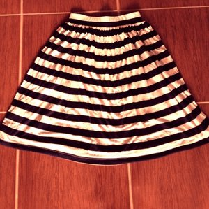 Nautical stripes midi-skirt