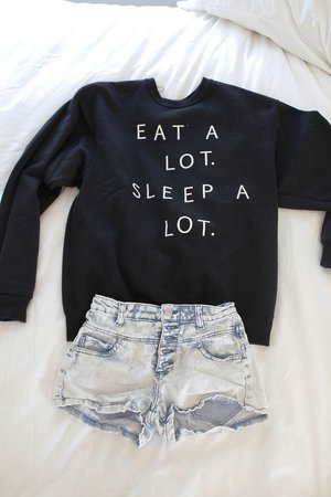 sweatshirt + cut-offs. Saturday outfit